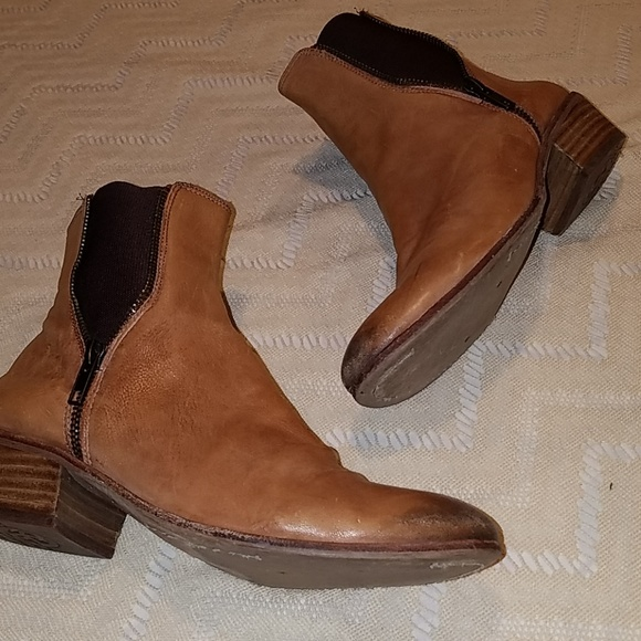 d76674c49d1baa Sam Edelman Brown burnished distressed booties. M 5be8cbab4ab6333b9adeb5ee